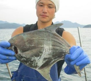 小豆島の漁師はまゆうの本名や年齢や身長は?高校や年収も調査!