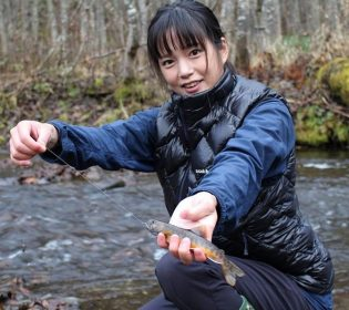 さやか(釣りガール)の本名や年齢や身長は?仕事は北海道のどこ?